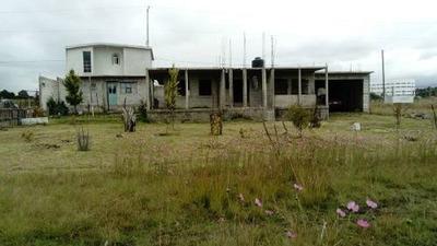 Casa En Construccion Con Amplio Terreno Enfrente De Universidad Libre De Derecho