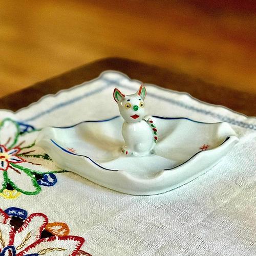 Antiguo Despojador Cenicero De Porcelana