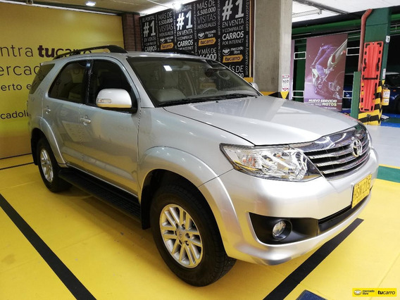 Toyota Fortuner Urbana At