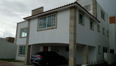 (crm-3423-1126) Casa En Venta, Villas Bicentenario, Metepec
