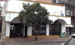 Local Con Vivienda En Alquiler En San Isidro