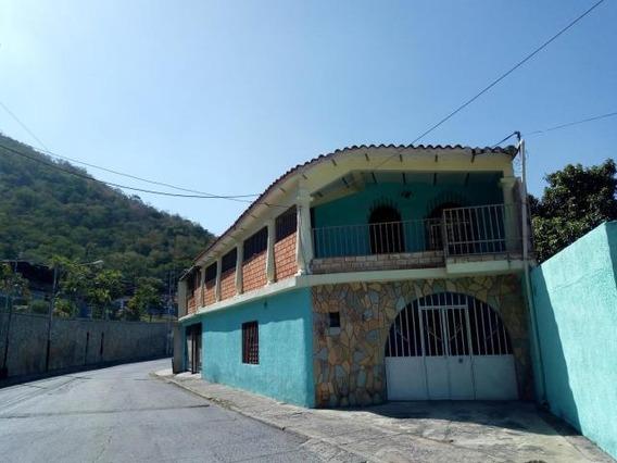 Casa En Venta En La Cooperativa Maracay 20-3590 Gav