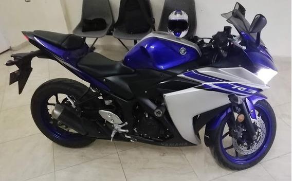 Yamaha R3 Azul Plateada