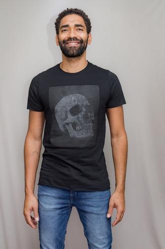 Camiseta Premium Estampada Emborachada Skull