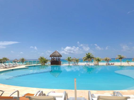 Preciosa Villa Junto Con Acceso Al Mar En Zona Hotelera