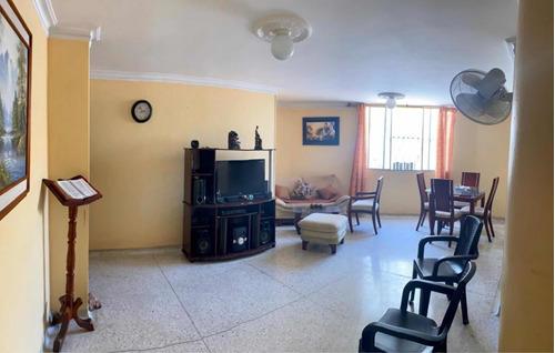 Imagen 1 de 12 de Se Vende Apartamento De 99.60 M2- Barrio Las Delicias.