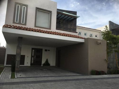 Espectacular Casa En Renta En Prados De La Asunción Metepec