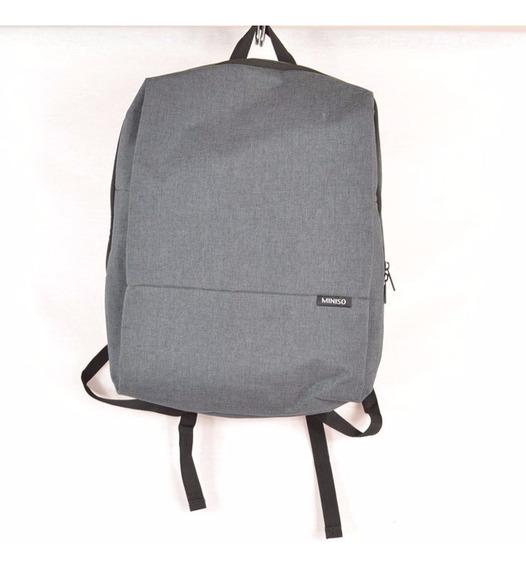 Miniso Back Pack Gris Tela Plastificada Msrp $500