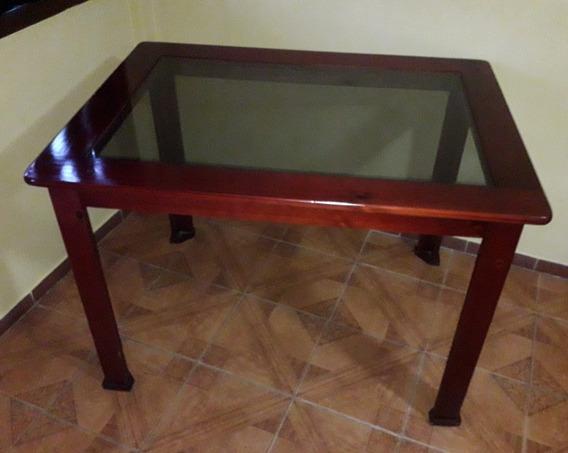 Mesa De Madeira Mdf Com Vidro. Com 4 Cadeiras,é Só Colar.