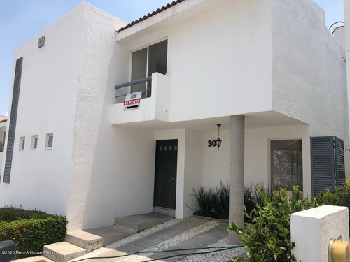 Casa En Renta En Vista Real, Corregidora, Rah-mx-20-2396