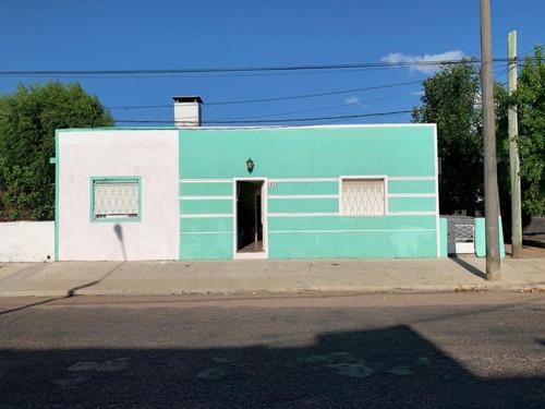 Imagen 1 de 13 de Amplia Casa En Venta T Y Tres