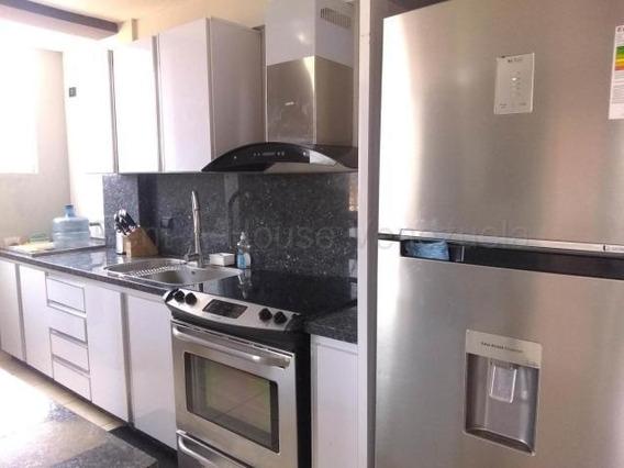 Apartamento En Venta En Cabudare Centro, Al 20-8410