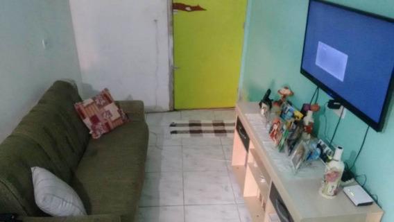 Casa , Comunidade,1 Quarto,sala E Cozinha Em L, Banheiro,