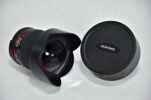 Imagen 1 de 3 de Samyang 14mm F / 2.8 If Ed Umc Lente De Enfoque Manual Nikon