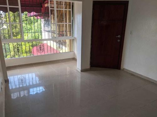 Vendo Apartamento Grande En San Isidro Piso 3