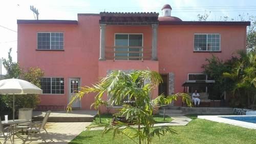 Se Vende Casa Con Alberca Y Chalet En Colonia El Universo En Cuernavaca Morelos, Mexico