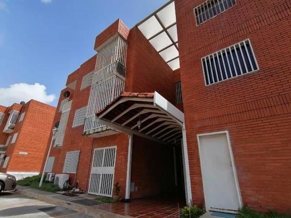 Apartamento En Venta Chucho Briceño Cabudare 20 21324 J&m