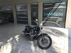 Harley Davidson Breakout 2017 Negro