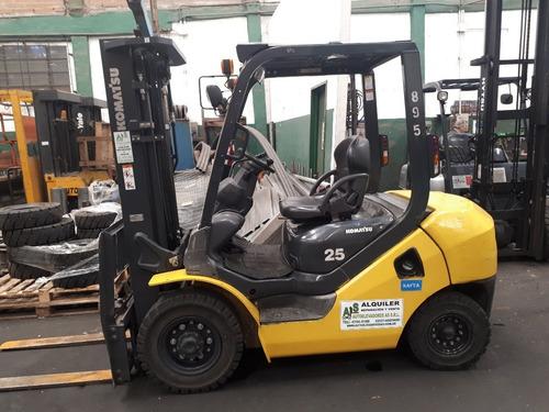 Autoelevador Komatsu 2500 Kg / Elevación 4,7 Mts Desplazador