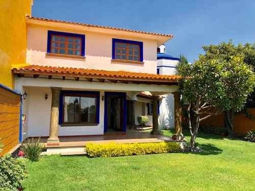 Casa En Fraccionamiento En Real De Tetela / Cuernavaca - Via-384-fr