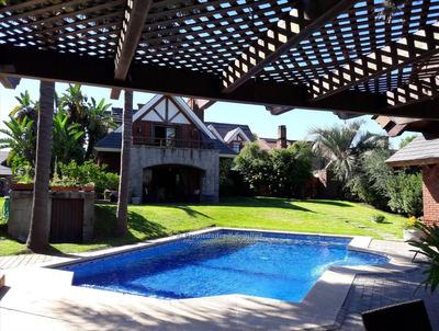 Se Vende Espectacular Casa En Carrasco Zona Residencial