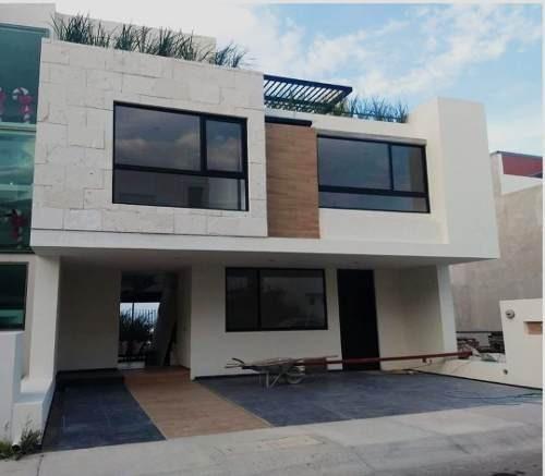 Residencia En Zibatá, 3 Niveles, Jardín, Roof Garden, 3 Recamaras, Sala Tv...