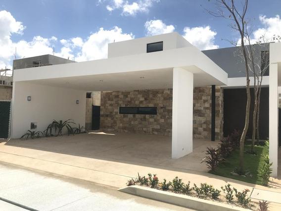 Casa En Venta En Merida, Privada Amidanah Temozon. ¡garage Techado Y Piscina Incluidos!