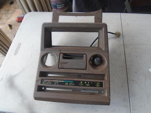 Vendo Mueble De Radio De Mitsubishi Montero Año 1986