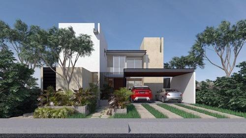 Casa En Venta En Privada Parque Natura, Cholul, Terraza, Bar, Alberca