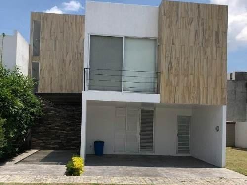 Se Renta Casa Amplia En Lomas De Angelopolis Parque Nuevo Leon