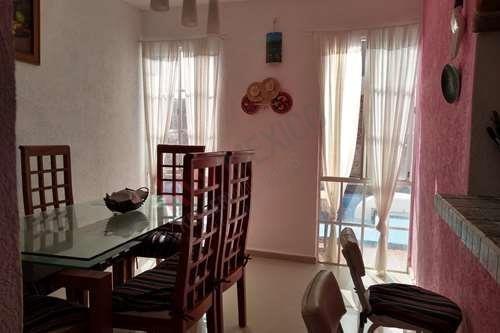 Casa En Renta, Cerca De Playa Xcalacoco, Completamente Equipada, Alberca