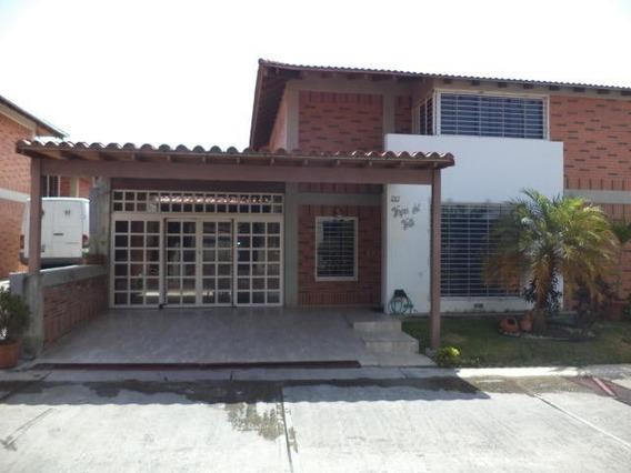 Hh 19-8949 Townhouse En Venta Montaña Linda