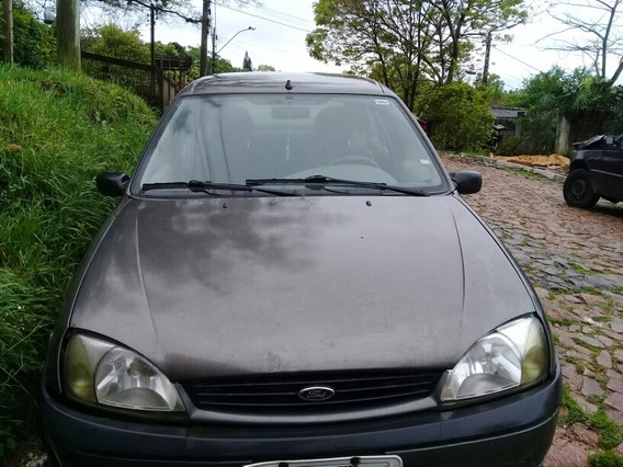 Ford Fiesta Sedan 1.0 Street 4p 2002