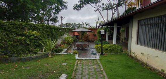 Casa En Venta En Zona Este Barquisimeto 20-19866 Rr