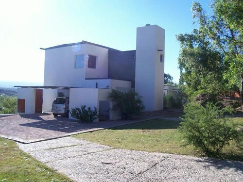 Casa En Venta  3 Dormitorios B° Villa Del Lago, Carlos Paz