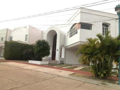 Casa Sola En Venta Residencial Villa Blanca