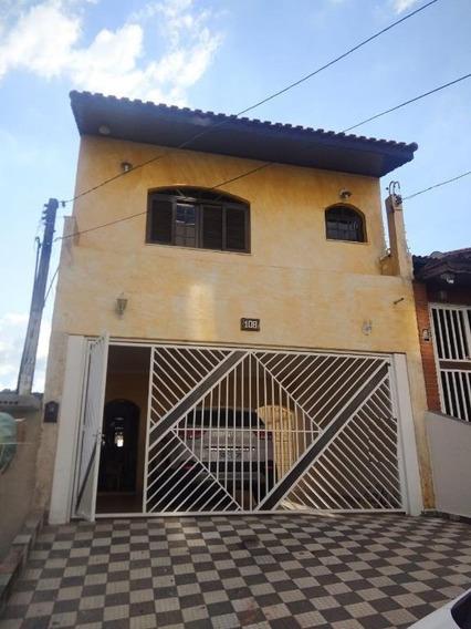 Casa Em Centro (cotia), Cotia/sp De 250m² 3 Quartos À Venda Por R$ 690.000,00 - Ca319252