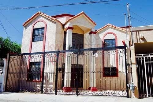 Hermosa Casa Recién Remodelada En Área Privada Junto A Ejercito Nacional