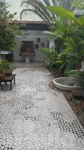 Ótimo Sobrado Na Vila Valparaiso - 1033-6732