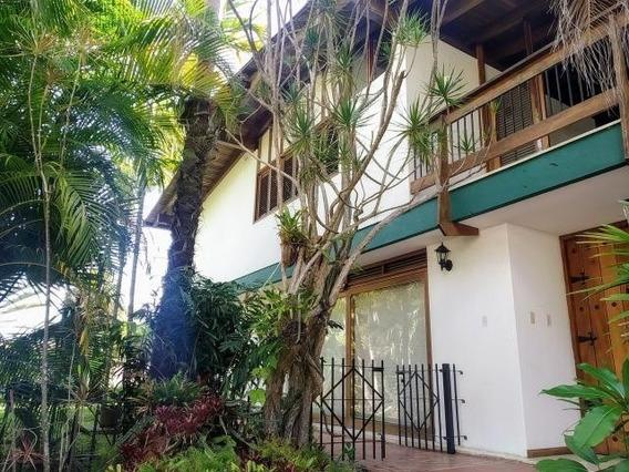 Elegante Casa En Venta Prados Del Este 0414-2408724