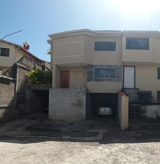 En Venta Casa En San Cristobal ( Sector Monterrey)