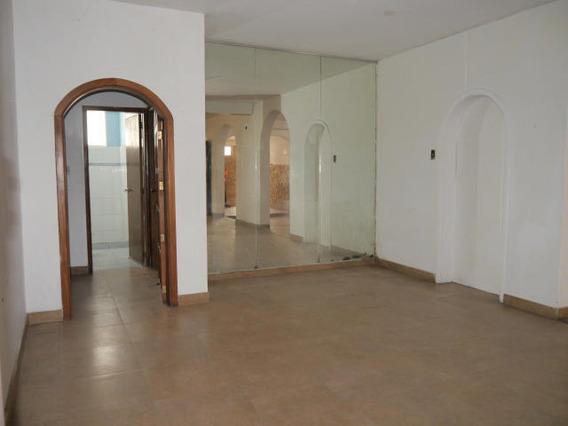 Casa Comercial En Alquiler En Zona Este Barquisimeto 20-4039 Nd