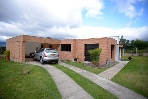 Venta Casa 700m2 En Condominio La Estancia (pasto)