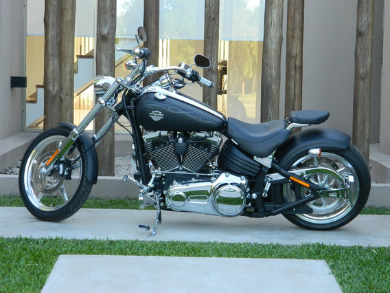 Harley Davidson Fxcwc Rocker C Negra Mate