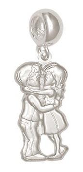 Imagem 1 de 1 de Berloque Prata Casal Se Beijando