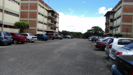 Apartamentos En Venta En Bararida Barquisimeto Lara 20-2155