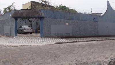 Casa Com Piscina À Venda Em Mongaguá Sp !! Ref. 5775