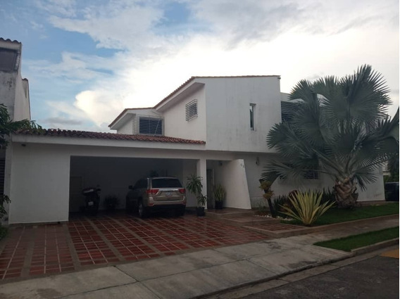 Venta Casa En Las Clavellinas