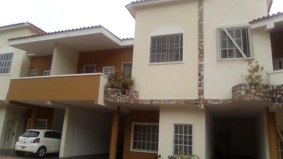 Townhouse En Venta El Parral Valencia Cod 20-11529 Ycm