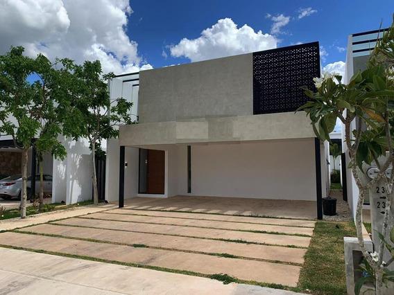 Casa En Condominio En Cholul, Mérida